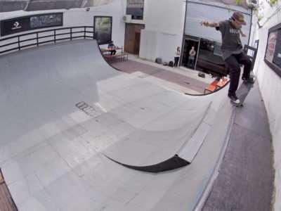 Milton Martinez en Loria Skate Shop